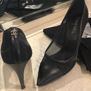 Chanel navy blue shoes